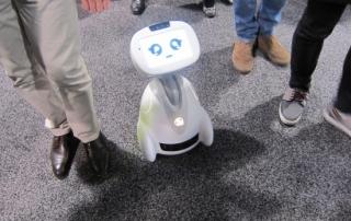 Kleiner, süßer Roboter auf der CES 2016